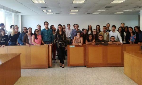 CEDCA enseñó cómo conciliar a estudiantes de la UCAB