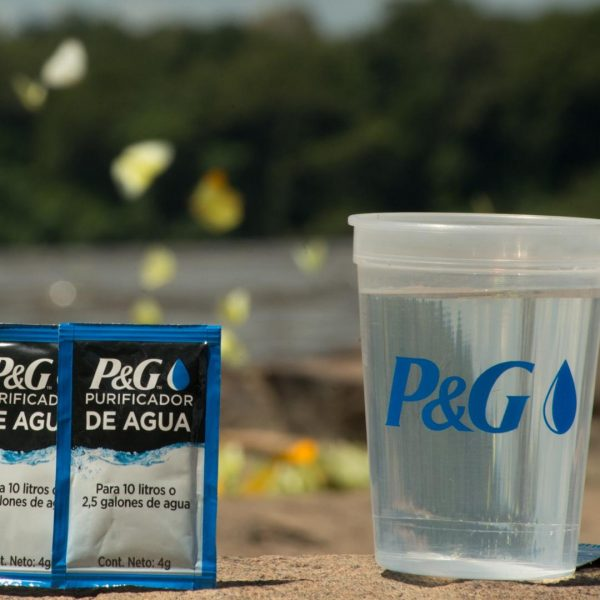 P&G Venezuela dona cinco millones de litros de agua durante falla eléctrica nacional