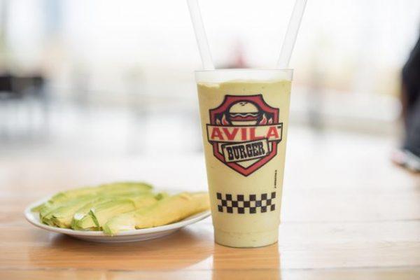 ¡Ávila Burger ahora tiene una merengada de aguacate!