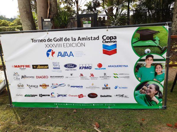 Ford Motor de Venezuela patrocinó torneo de golf para promover la educación de jóvenes de bajos recursos