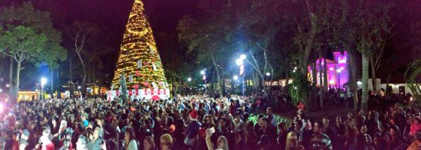 Coca-Cola ilumina la Navidad en la Plaza Bolívar de El Hatillo